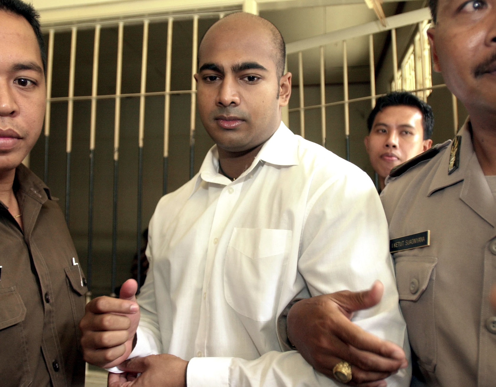 Chan and Sukumaran: The choice to offer life or death