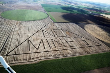 A gathering storm: The pressure to block Shenhua Mine