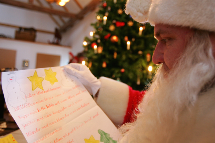 This year, send your kids' Xmas letters to Santa, not social media