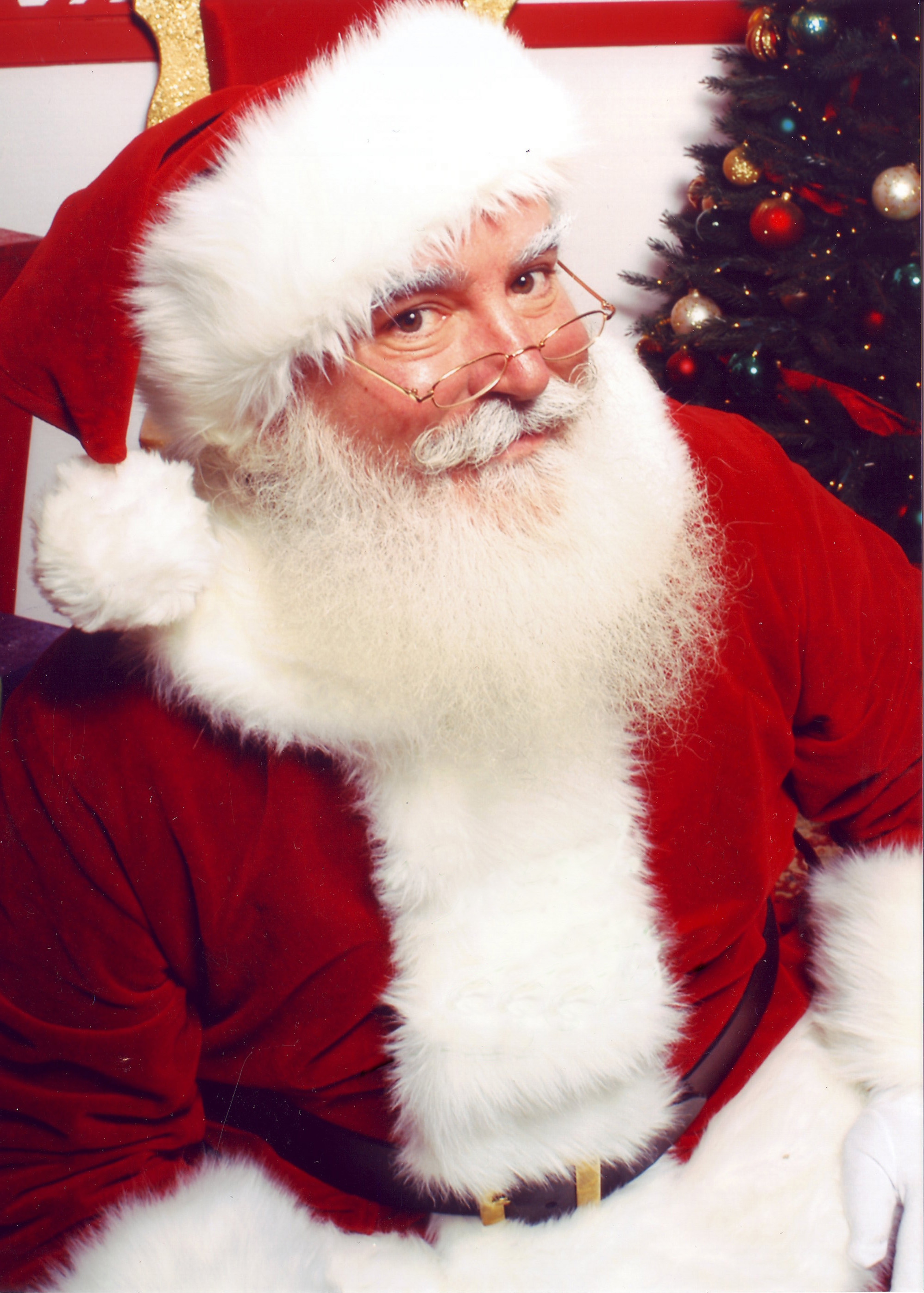 Santa Claus: Let your kids believe, what's the harm?