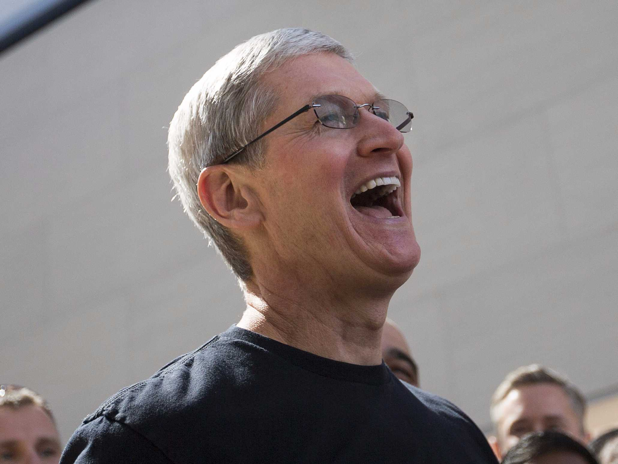5 Things Apple should spend their money on