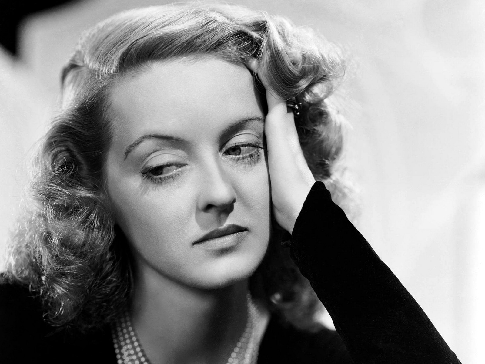 Happy birthday, you're dead: Bette Davis