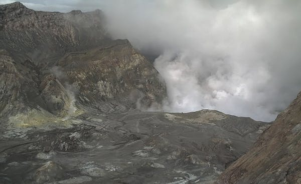 Why was there no warning for New Zealand's deadly eruption?