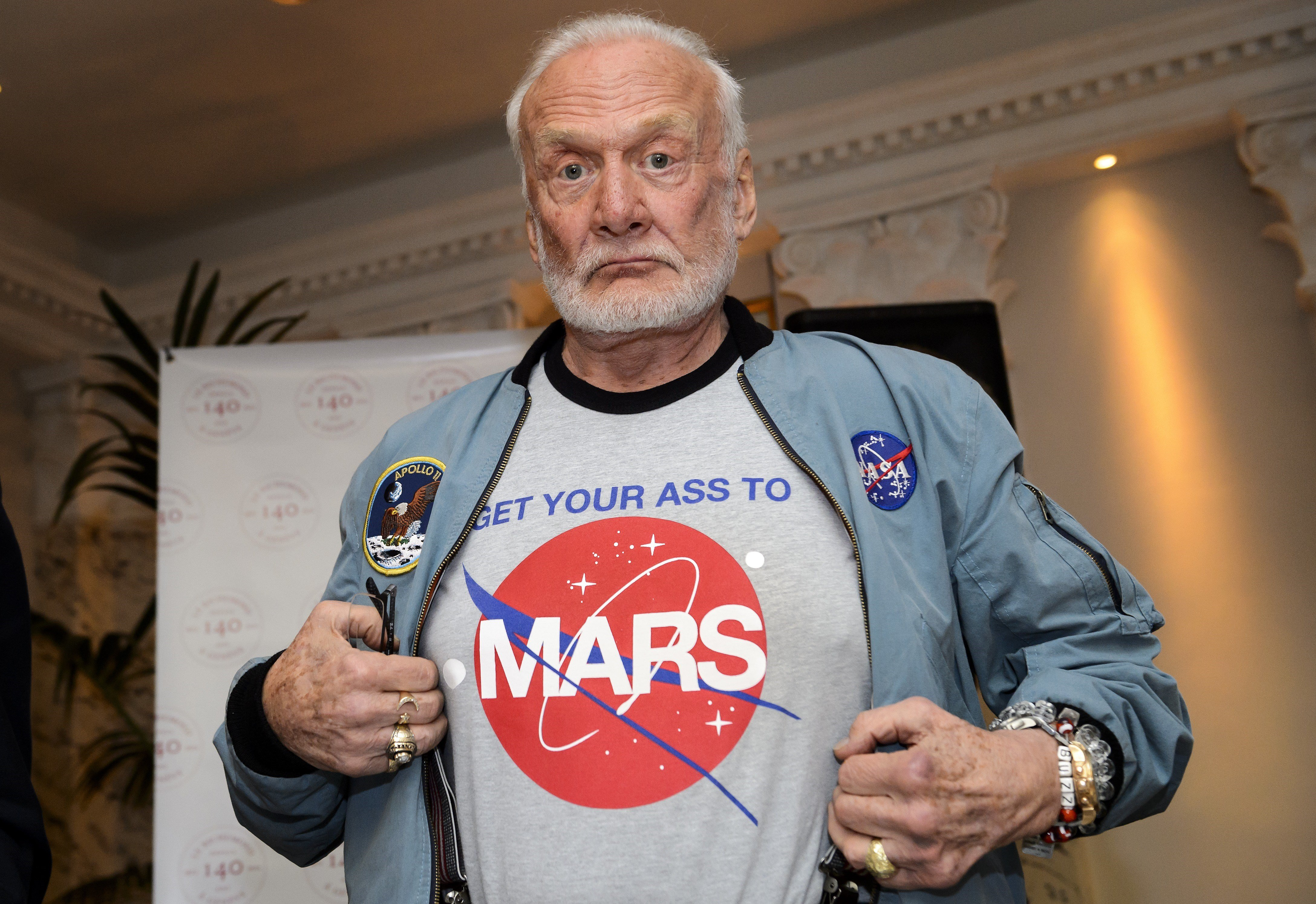 Aldrin claims that he saw UFO, online publications hatch counter conspiracy plots