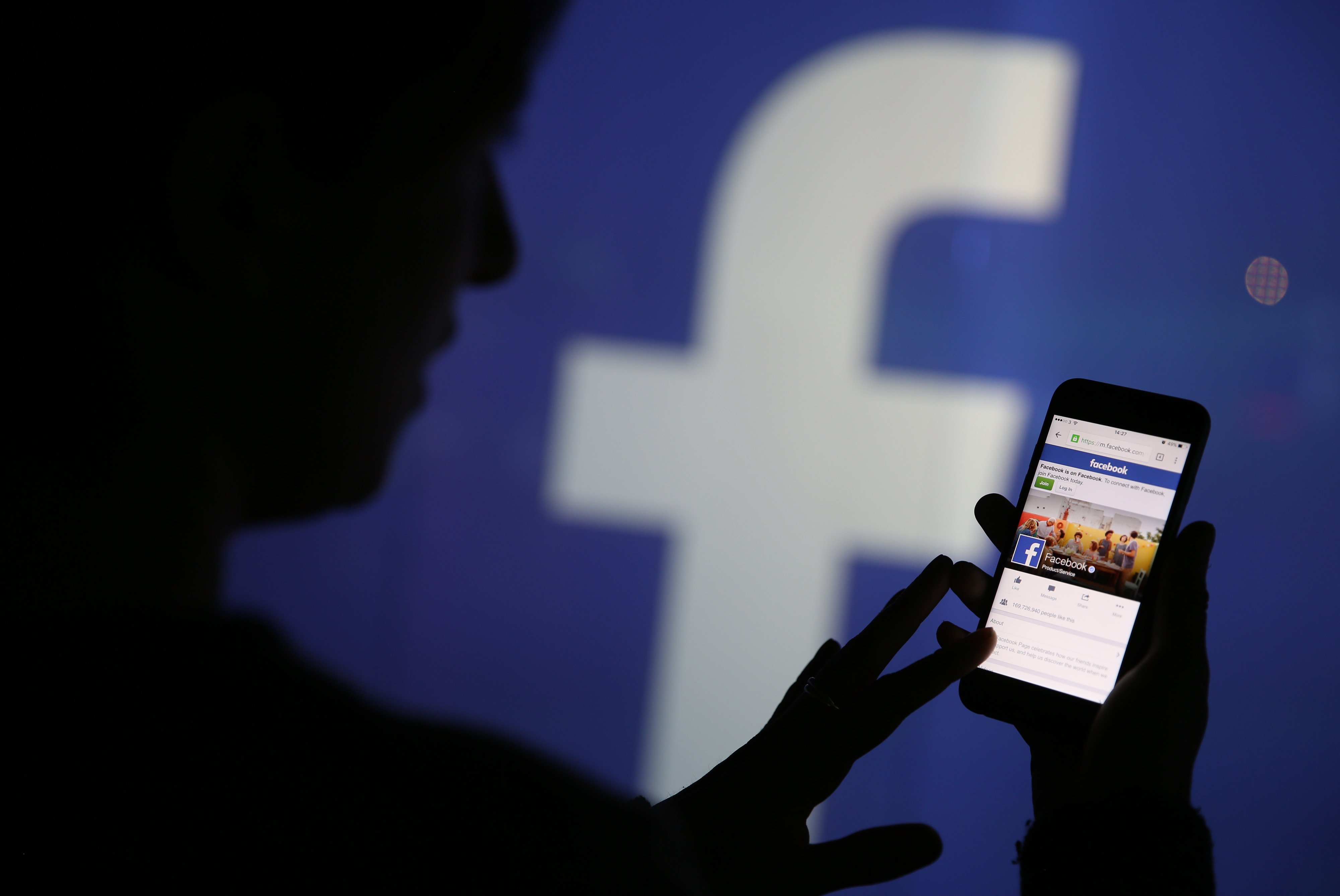 Local users affected by Cambridge Analytica, Australia launches Facebook probe