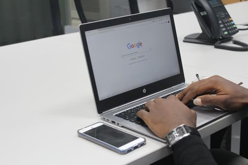 Court rules that users can sue Google for defamation