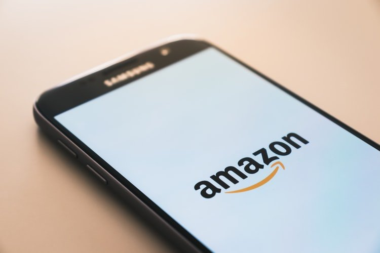 Amazon stops police access to facial recognition software (for a limited time only)