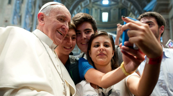While you were Asleep: Di Natale felled by truthbomb on QandA, Pope down with kids and the horrors of the new iPhone