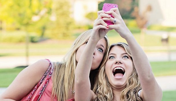Who is happier: Snapchatters or Facebookers?
