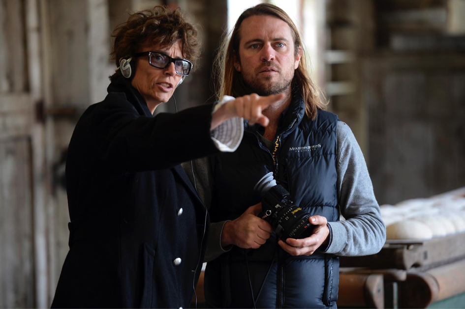 Rachel Ward and DOP Germain McMicking (director of the photography) during the shooting of An Accidental Soldier © GoalPost Pictures Australia 2016.